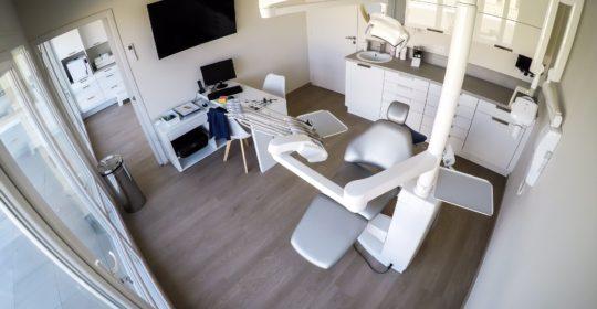 Salle de soins dentaire Six Fours (83)