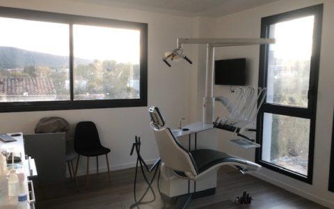 Démontage et installation de deux fauteuils dentaires XO à Aubagne